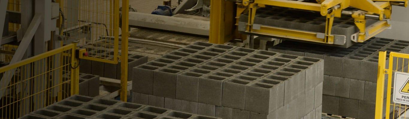 Paletização da fábrica de blocos de concreto